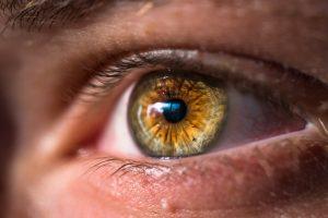 Bệnh khô mắt ảnh hưởng tiêu cực tới thị lực, sức khỏe thể chất và tinh thần